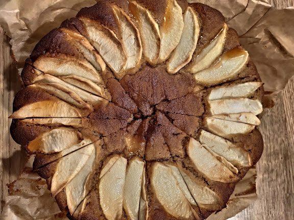 Ciasto z miodem i jabłkami